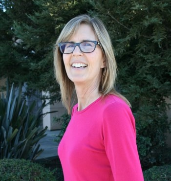 Beth Dental Hygienist at Dr Darnell, the top dentist office in Hollister California